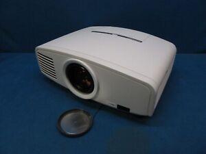 Mitsubishi XD2000U Digital Multimedia DLP Projector