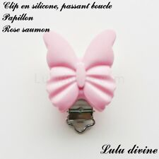 Pince / Clip en silicone, attache tétine, passant boucle, Papillon : Rose saumon