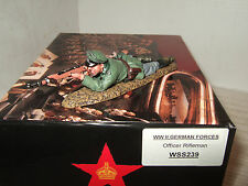 King & Country WSS239 WW2 German Whermacht Officer firing Rifle in 1:30 Scale