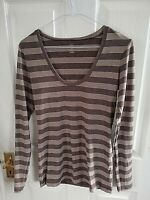 GAP WOMENS SIZE 10 LONG SLEEVE TOP BROWN STRIPED PIT TO PIT 16 INCH STRETCH