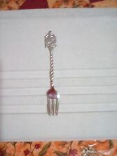 Souvenir canada fork vintage