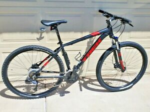 **VERY NICE** 2017-18 TREK Marlin 7 Mountain Bike Size 19.5 Large