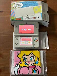 New Nintendo 3DS Handheld Console - White + Princes Peach Plates