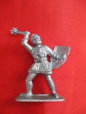 JEM Figurine moyen age 1/32 soldat croisé av bouclier & gourdin Norev Non peint