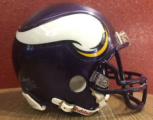NFL Throwback Minnesota Vikings Riddell Mini  Football Helmet & Facemask