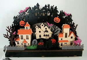 MARTHA STEWART LARGE LED LIGHTED DIE CUT WOODEN HALLOWEEN HAUNTED VILLAGE NEW