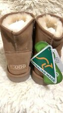 Ever mini classic short chestnut Ugg $85 size 7