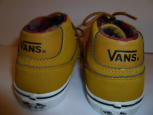 Vans Off The Wall Youth US Size 6.5 Light Brown Leather Flannel Lined Shoes
