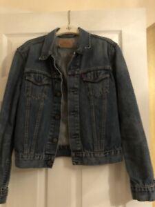 Ladies Levis Denim Jacket Size M