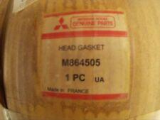 Junta de culata -- M864505 -- Cylinder head gasket.