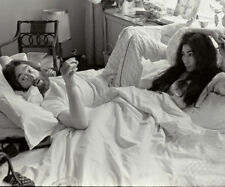 John Lennon and Yoko Ono UNSIGNED photograph - L2307 - Bed-In for Peace