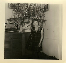 PHOTO ANCIENNE - VINTAGE SNAPSHOT-ENFANT SAPIN DE NOËL RADIO GAG DRÔLE-CHRISTMAS