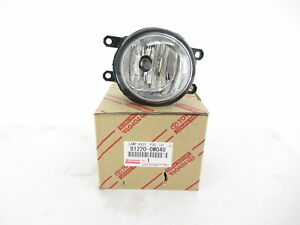 Genuine OEM Toyota Lexus Scion 81220-0W040 Driver Fog Light Lamp Assembly