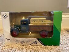 1991 JOHN DEERE Die Cast Truck Bank 1931 HAWKEYE Crate Delivery 1/34 ERTL (G)