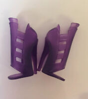 Monster High Doll-Abbey Bominable-basic Fashion Pack- Purple Shoes / Replacement