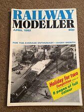 Railway Modeller Magazine - April 1982