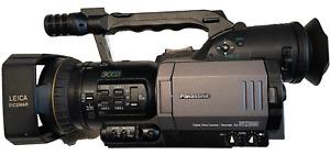 Panasonic AG-DVX100B Camcorder with Camera Bag