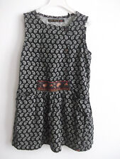 superbe   robe   IKKS        taille   5  ANS   TBE