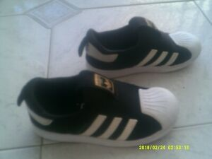 """KIDS """"ADIDAS"""" SUPERSTAR SNEAKERS/SHOES  SIZE   10K US"""