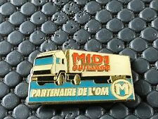PINS PIN BADGE CAR CAMION TRUCK OM FOOT MARSEILLE