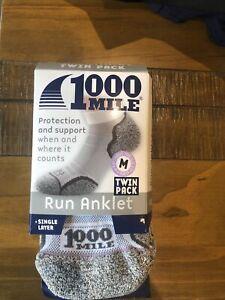 1000 mile socks ladies Medium