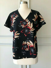  COUNTRY ROAD   hibiscus V-neck print tee top black   NEW   $139   SIZE: 6  