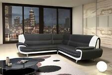Moderne Sofas als Dreisitzer mit bis zu 3 Sitzplätzen