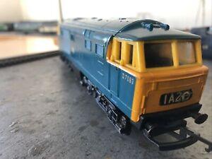 Hornby/Triang Class 35 Hymek D7063 In BR Blue OO Gauge