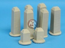 Tank Workshop 1/35 Large Concrete Fence Posts Milestones w/Corner Marker 354007