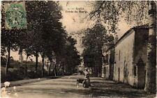 CPA  Roullet - Entrée du Bourg   (654406)