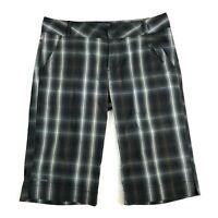 Womens Columbia Titanium Omni-Dry Black Gray Plaid Bermuda Length Shorts Size 6