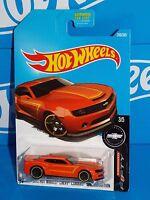 Hot Wheels 2017 Camaro Fifty #246 2013 HW Chevy Camaro Special Edition Orange