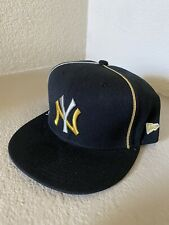 New York Yankees Fitted Cap Hat 7 1/4 New Era Black Gold Silver