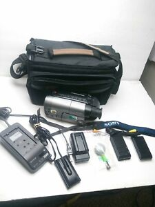 Sony Handycam DCR-TRV11 Digital Mini DV Night Vision Camcorder Batteries Bag