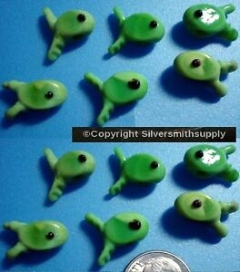 Glass fish lamp work handmade large hole green fish beads 12pcs 12mm gbs016