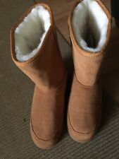 New Plymouth Mocs Mens Tall Boots Sheepskin Size 11M Chestnut