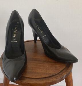 Black leather Prada heels, Size 39.5
