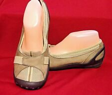Women's Privo by Clarks Suede Flats Sz 9