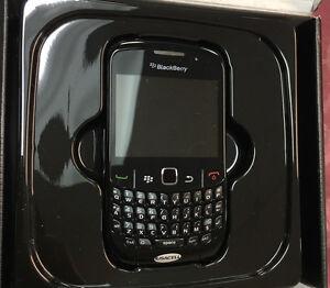 Blackberry Curve 8530  Only A T & T ( NO  SIM CARD SLOT)