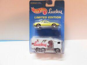 Hot Wheels - 1/64 - Hiway Hauler Lucky & Pontiac Fiero