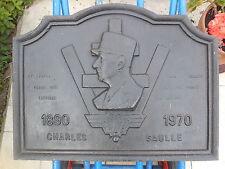 PLAQUE DE CHEMINEE EN FONTE - Effigie de Charles de Gaulle