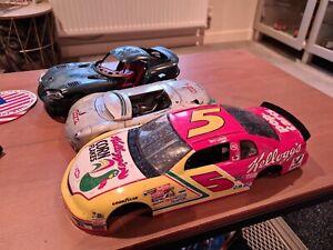 1:18 Diecast Model Car Maisto Spares Diorama /viper /NASCAR / Renault