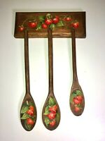 VTG 70'S WOOD&PAINTED STRAWBERRY DECORATIVE HOOK HANGING SPOON WALL DISPLAY SET