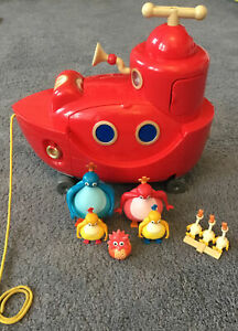 GOLDEN BEAR TWIRLYWOOS TWIRLY WOO'S BIG RED BOAT TOY LIGHTS/SOUNDS/MUSIC/FIGURES