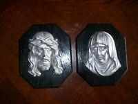 Set ca. 100 Jahre alte Reliefbilder Jesus und Maria schwarze Holzplatte Zinkguss