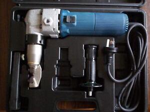 HEAVY DUTY ELECTRIC NIBBLER  4MM CAPACITY WITH AUSTRALIAN 12 MONTH WARRANTY