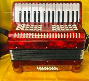 Luz Peso 32 key 24 bass Piano Acordeón Usado