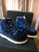 Akid toddler jasper blue crushed velvet boot Size 7