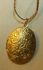 Lovely Floral Swirled Goldtone Oval Locket Pendant Necklace ++++