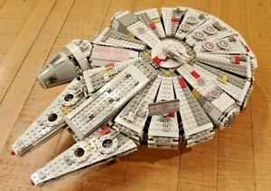 Building Blocks STARS WARS Millennium Falcon Set with Han Solo Chewbacca Rey